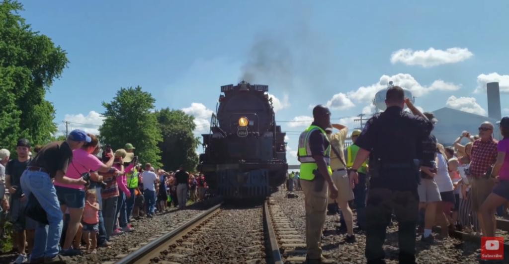 People watching Big Boy locomotive approach