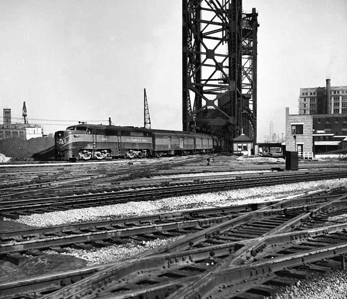 Gulf Mobile and Ohio Railroad Alco on Chicago River drawbridge