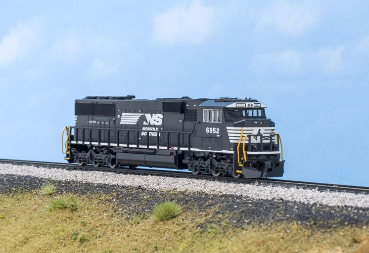 Atlas N scale EMD SD60E diesel locomotive