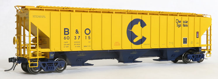 Tangent Scale Models HO scale PS-2CD 4750 three-bay covered hopper