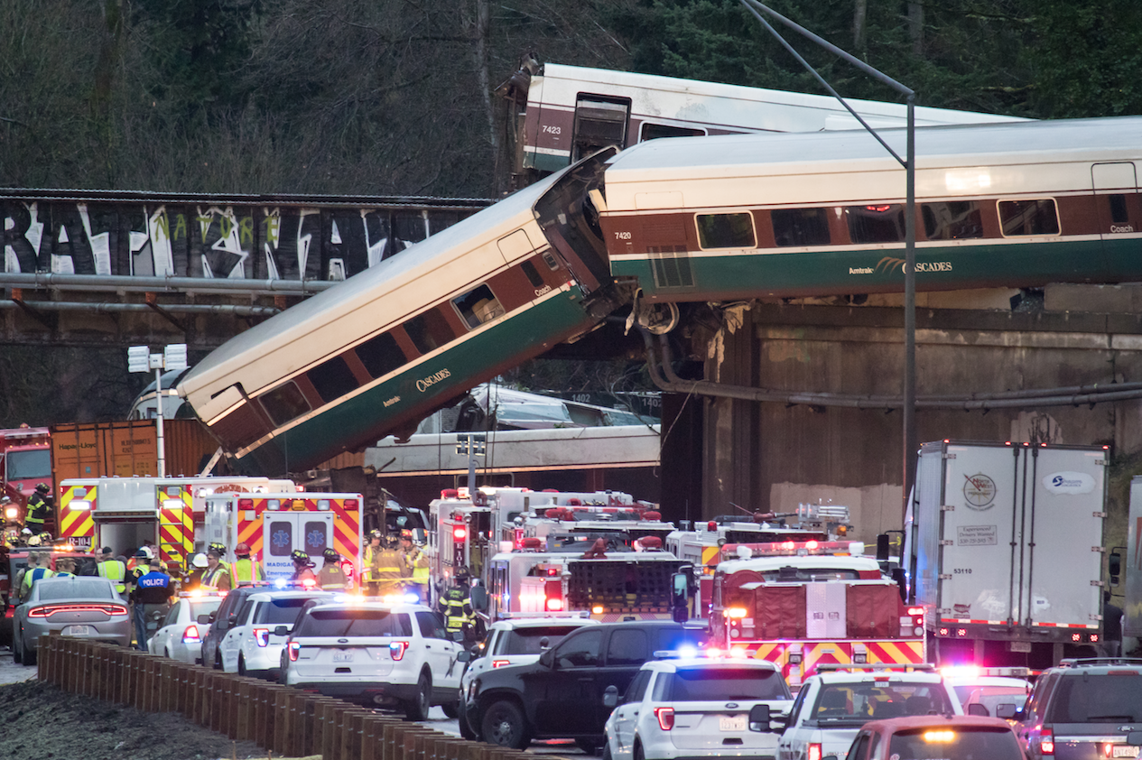 Amtrak Cascades wreck 2017, National Transportation Safety Board report, Steve Carter photo