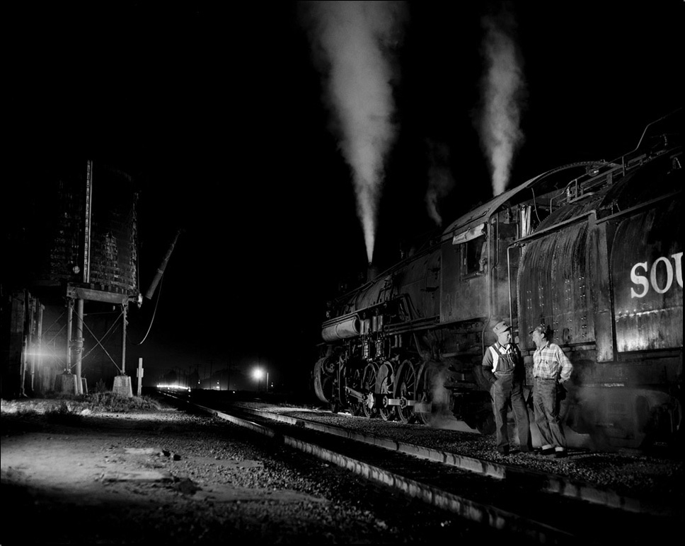 Southern Pacific enginemen at Saugus, Calif.