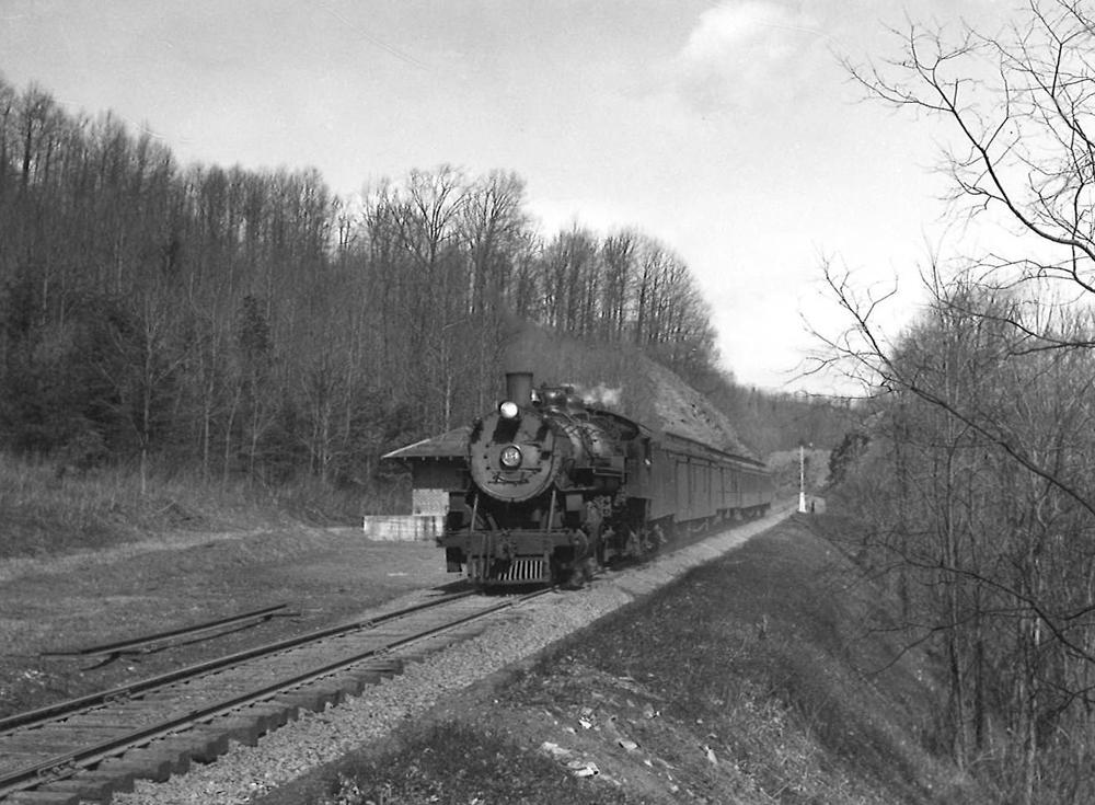 A black and white photo of Clinchfield 4-6-2 No. 154 coming down the tracks