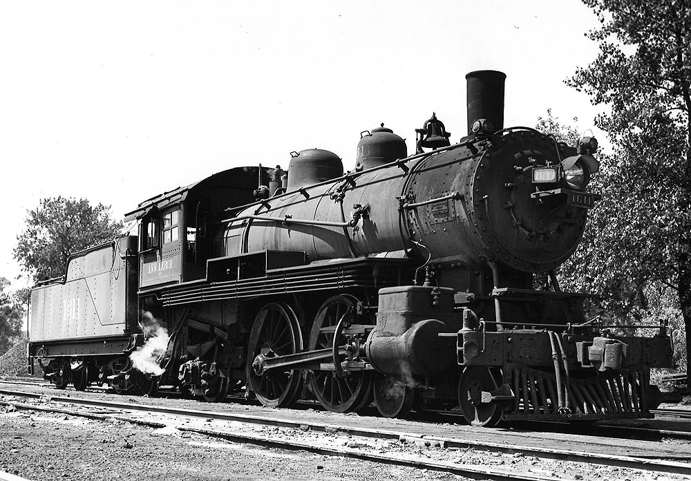 4-4-2 steam locomotive