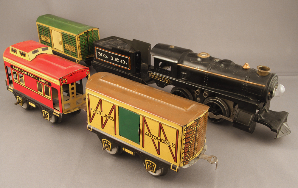 Vintage tinplate American Flyer Champion set in excellent condition