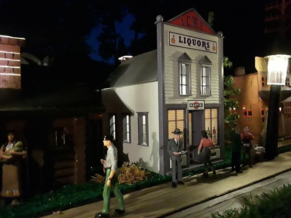 City scene on Kris Soloman's garden railroad