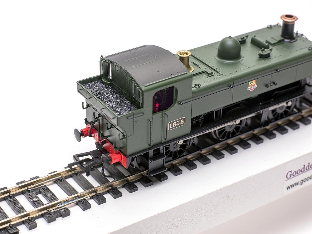 Model Rail/Rapido Trains 16XX 0-6-0PT view looking inside cab showing LED firebox flicker effect