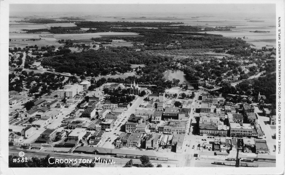 Black-and-white aerial view of Crookston, Minn., looking east in the late 1920s.