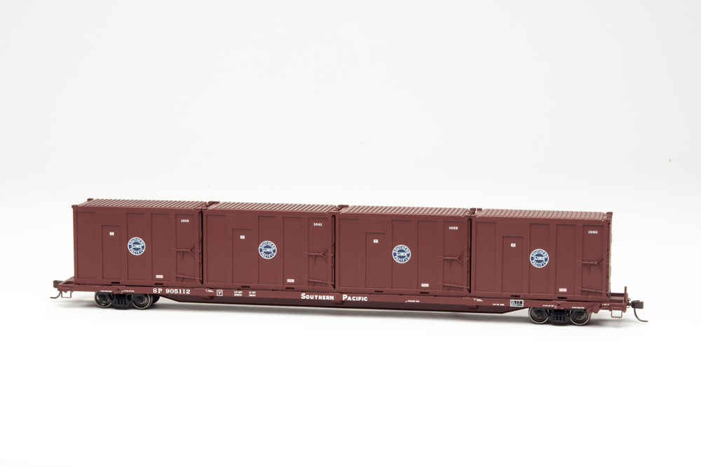 Atlas 85-foot Southern Pacific trash flatcar with containers.