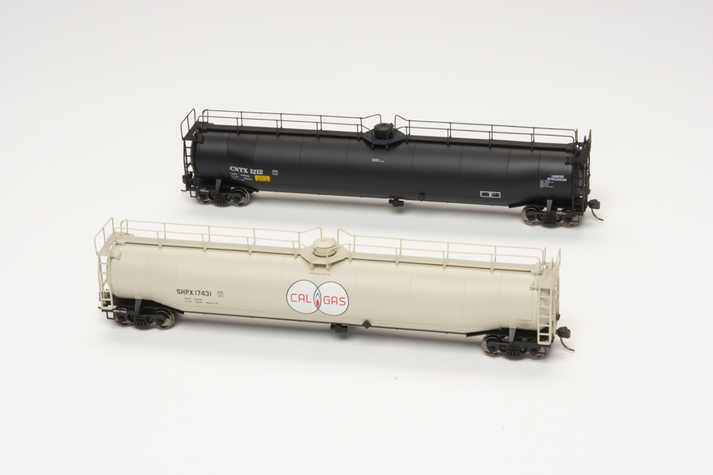 American Car & Foundry 33,000-gallon tank cars in Cal Gas and Continental Tank Car Corp scheme.