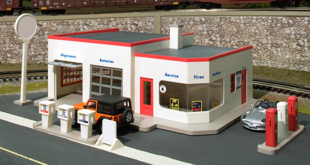 Wilson's Gas & Go service station kit.