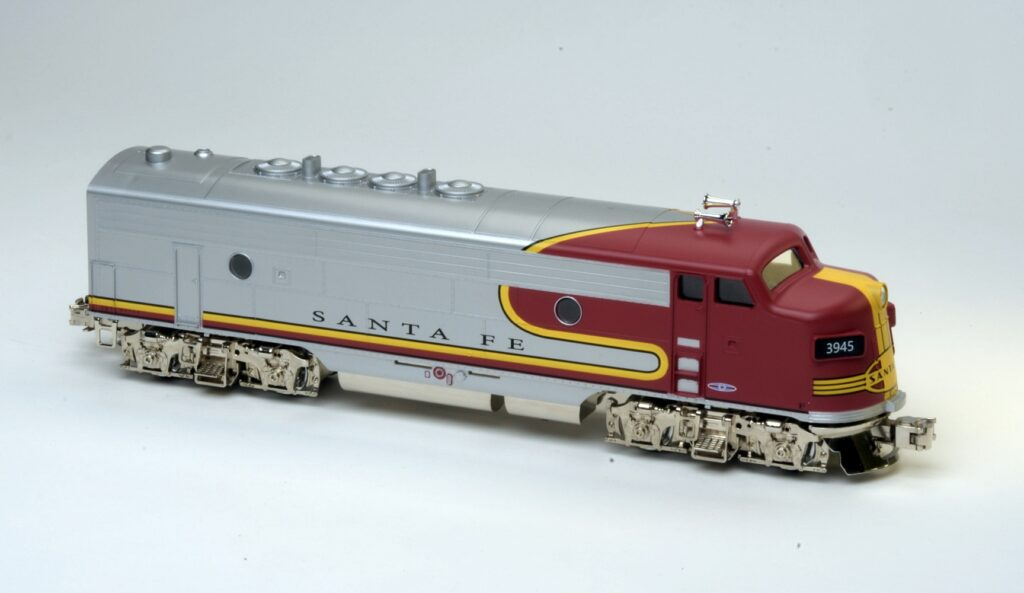 Menards O gauge Santa Fe F3 model ¾ view top and side