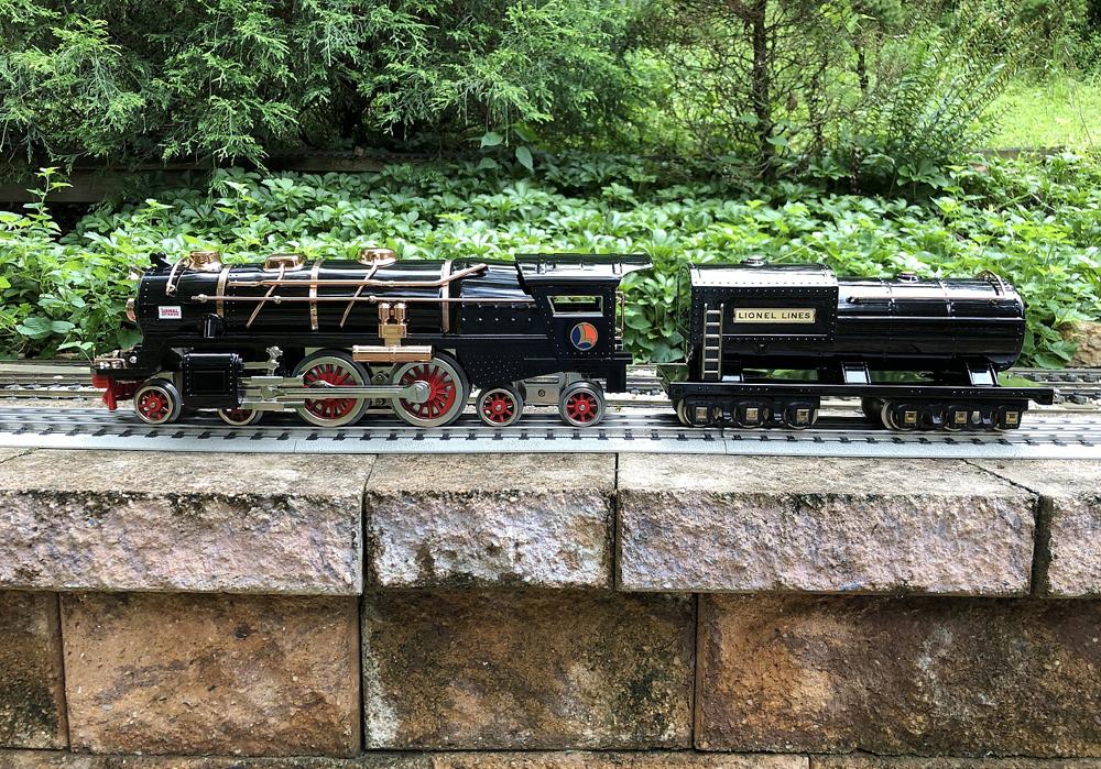 A Lionel Standard gauge 400E locomotive