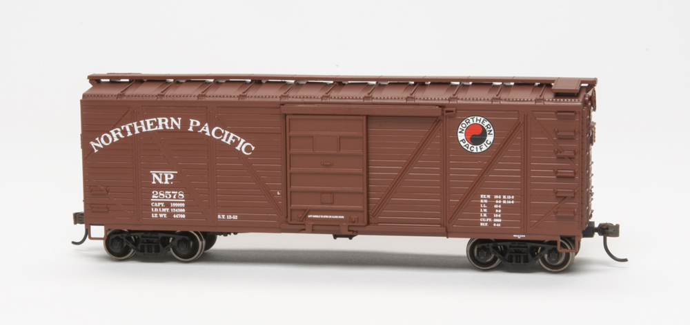 Northern Pacific 40-foot single-sheathed boxcar.